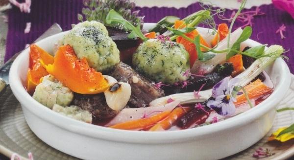 Albóndigas de sepia, butifarra del perol y verduras