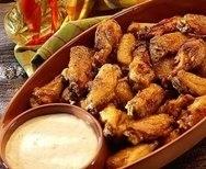Alitas de pollo con salsas picantes