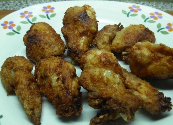 Alitas de pollo rebozadas al microondas.