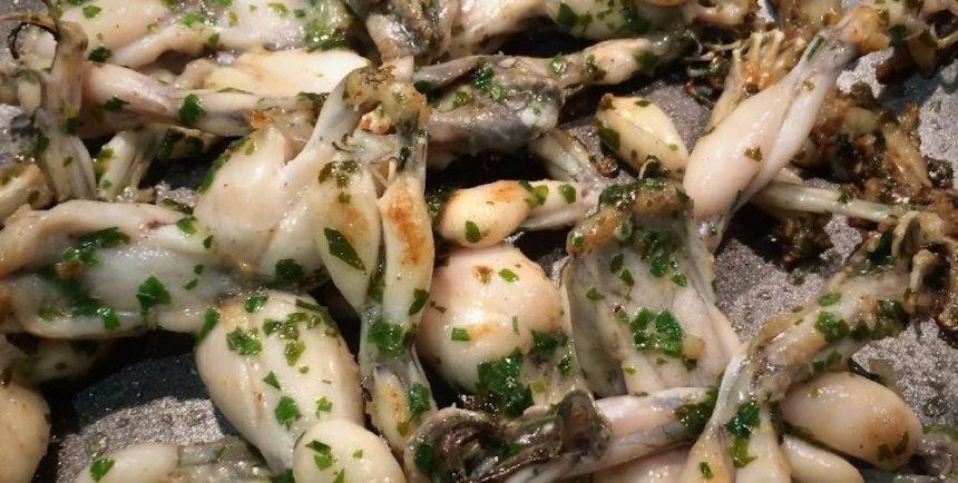 Ancas de rana al ajillo