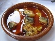 Anguilas en ajo y pimentón