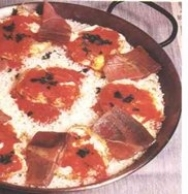 Arroz con huevos fritos y jamón