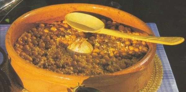 Arroz con pasas y garbanzos