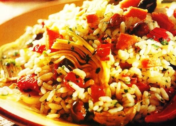 Arroz con tomates secos y huevas de atún