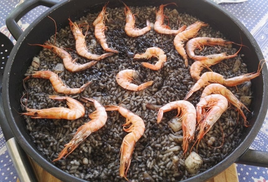 Arroz Negro Con Gambas Y Sepia The Cook Monkeys