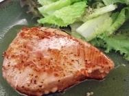 Atún con salsa y col china