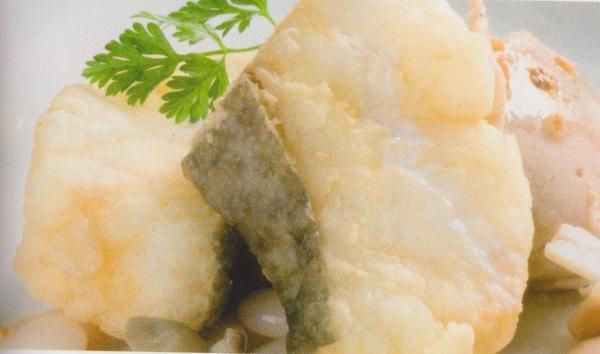 Bacalao con judías del ganxet y puré de castañas