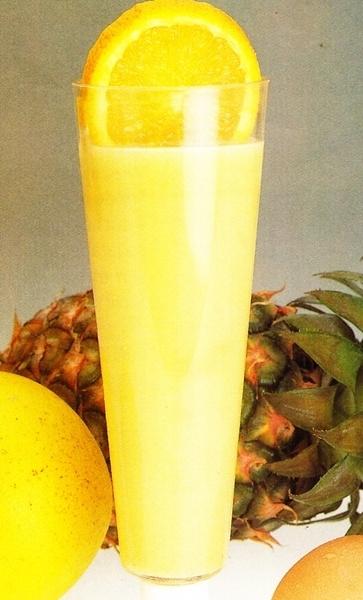 Batido de pomelo, naranja y piña