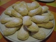 Bizcochos de soletilla rellenos de crema