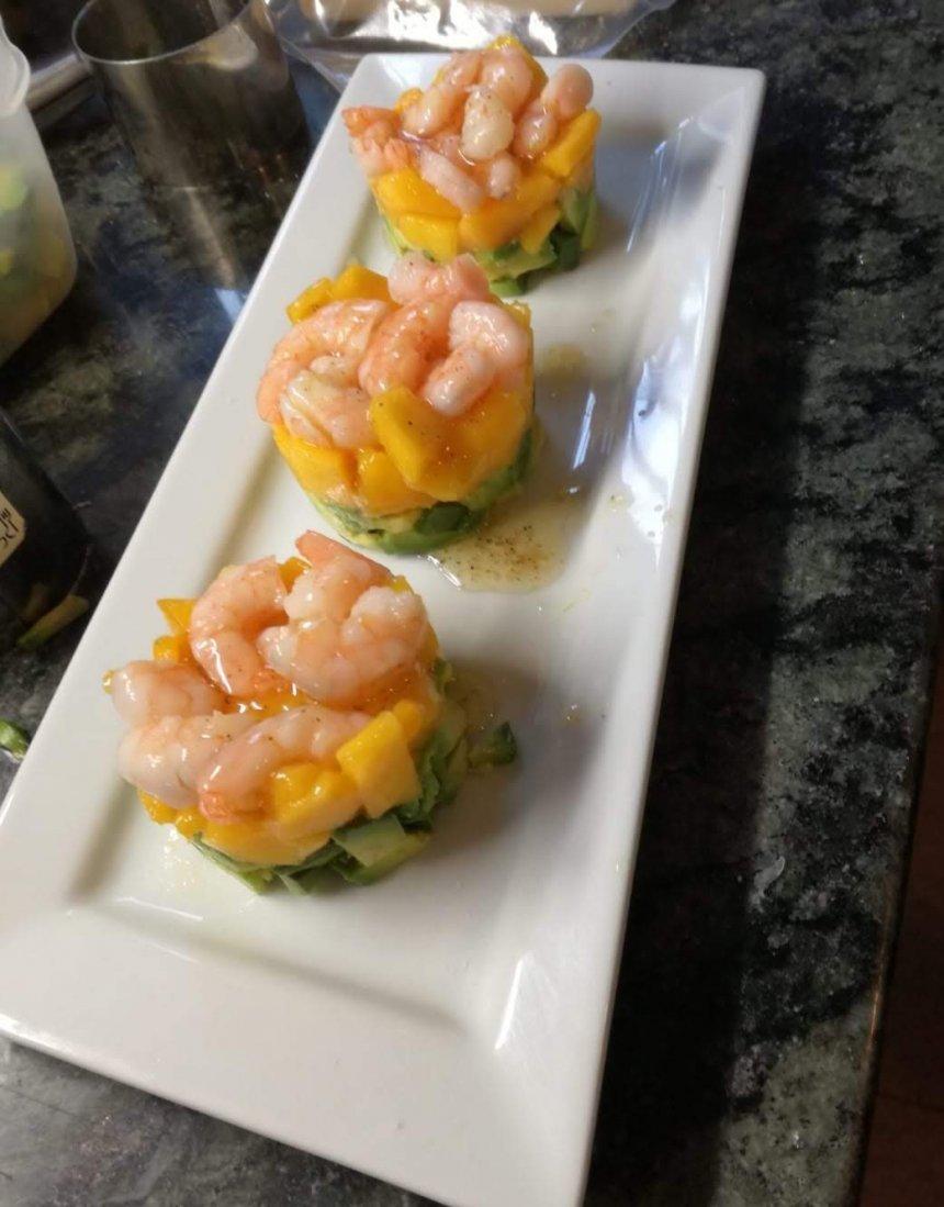 Bocaditos de aguacate y mango