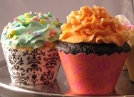 Cake de cumpleaños con forma de un pote con flores