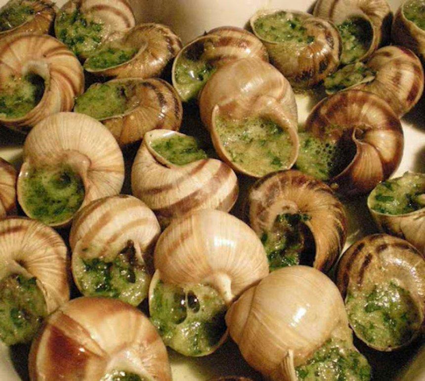 Caracoles a la mantequilla de anchoas