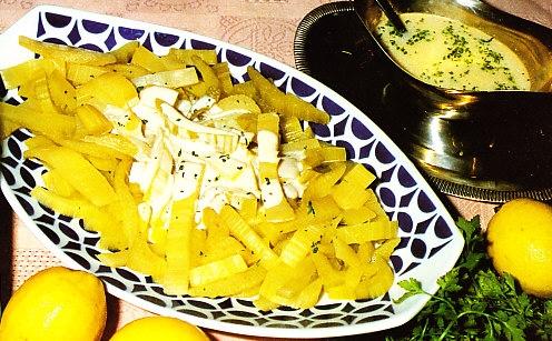 Cardo riojano en salsa blanca