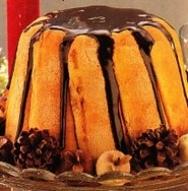 Charlota de avellanas bañada con chocolate
