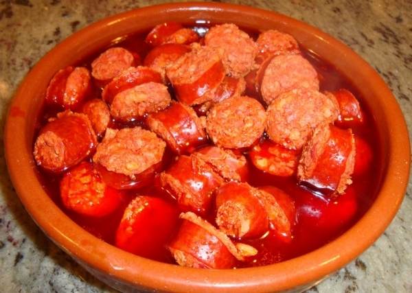 Chorizos a la sidra al estilo asturiano