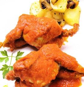 Codornices con salsa de pimientos