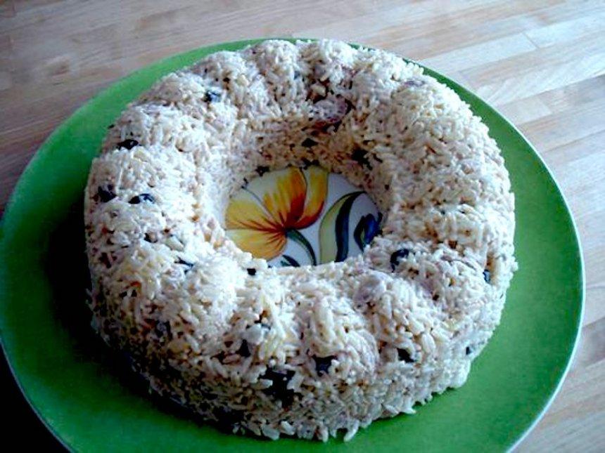 Corona de arroz con atún