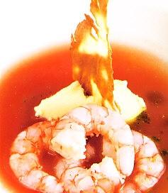 Crema de tomate con gambas
