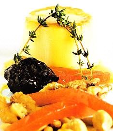 Cremoso de queso con dulce de membrillo y fruta seca