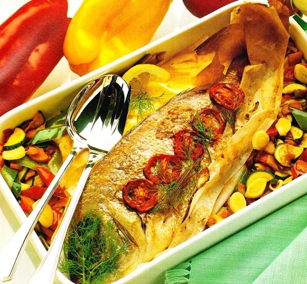 Dentón al horno con verduras