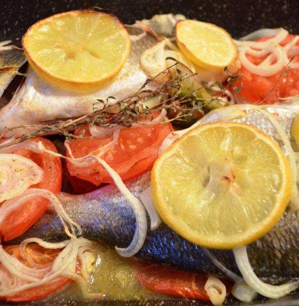 Dorada al horno con hortalizas