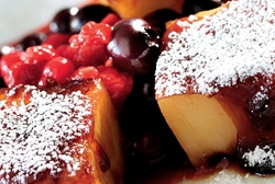 Dulces de patata con frutas del bosque al aroma de Oporto