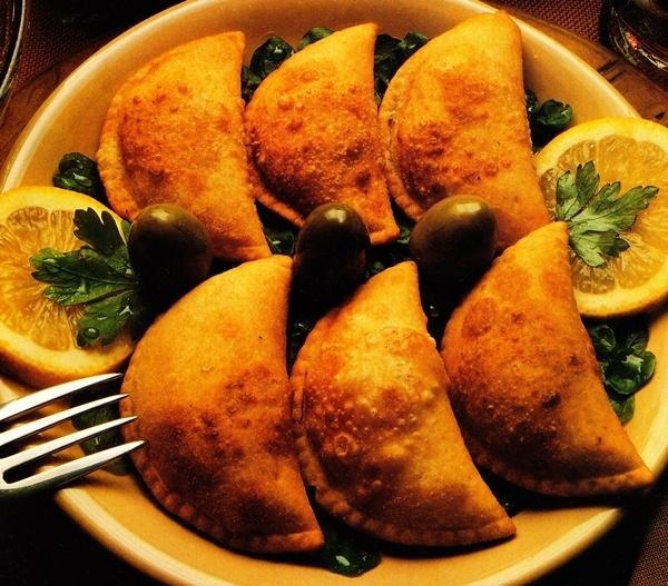 Empanadillas rellenas de pollo y manzana