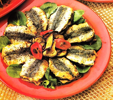 Emparedado de sardina relleno de berenjenas