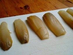 Endibias rellenas de champiñones