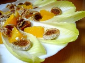 Ensalada de endibias con aceite de nueces