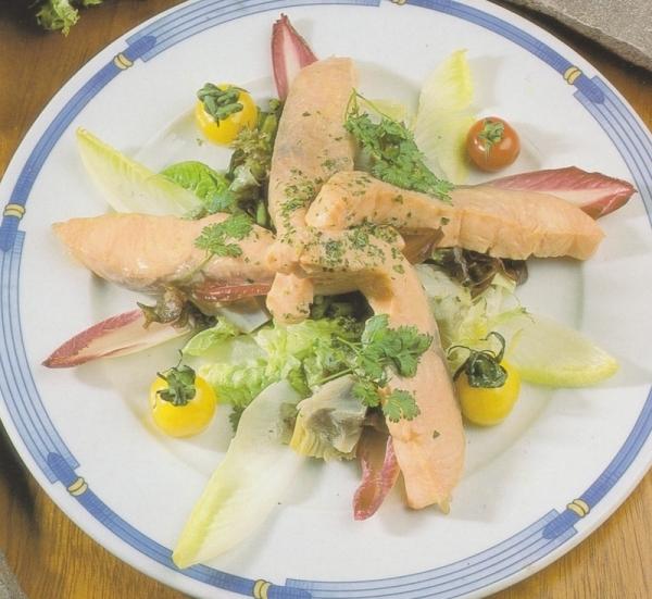 Ensalada templada con salmón fresco