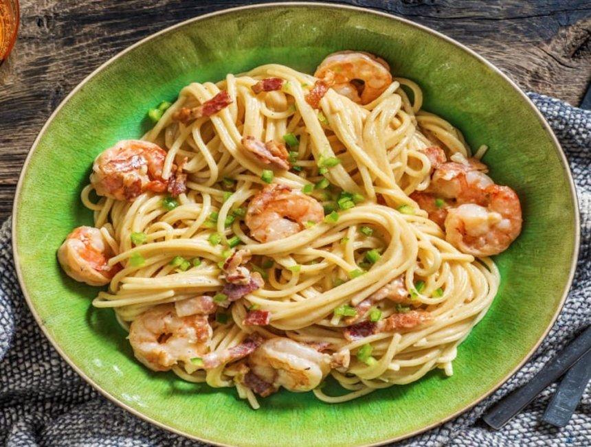 Espaguetis a la parmesana con gambas