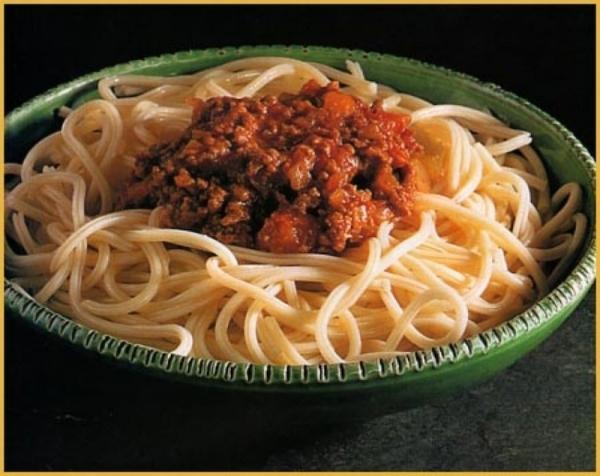 Espaguetis con vegetales a la boloñesa