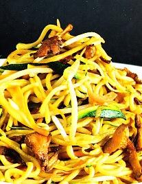 Fideos Chow Mien con senderuelos