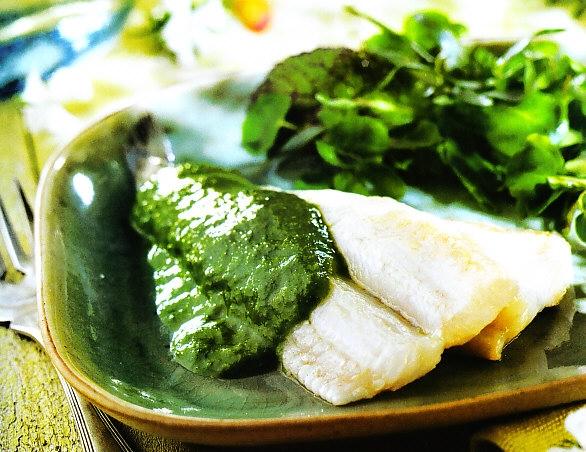 Filetes de bacaladillas con salsa verde