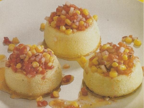 Flan de maíz con salsa variada