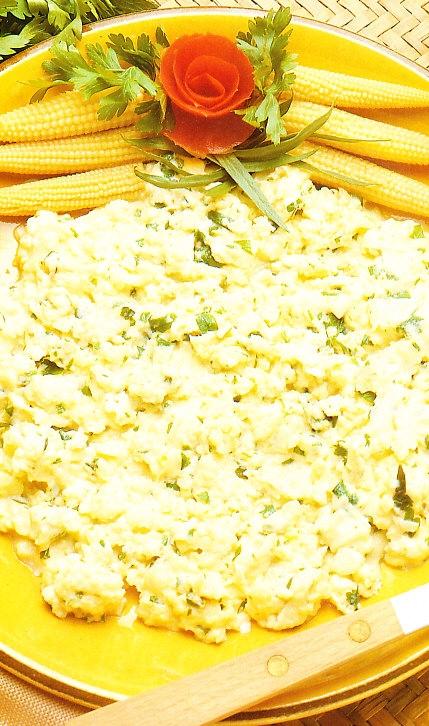 Huevos con estragón y perejil