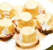 Huevos en molde con salsa