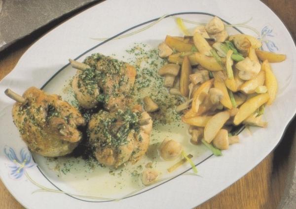 Jamoncitos de pollo con ajo, perejil y vinagre