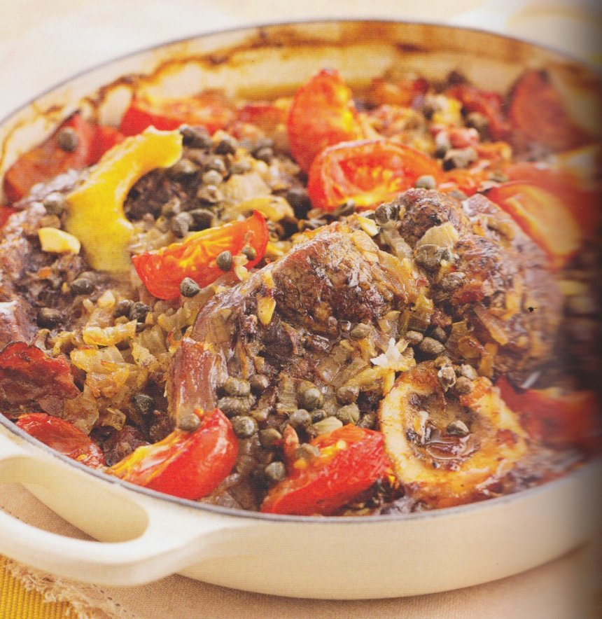 Jarrete de ternera con tomates y alcaparras