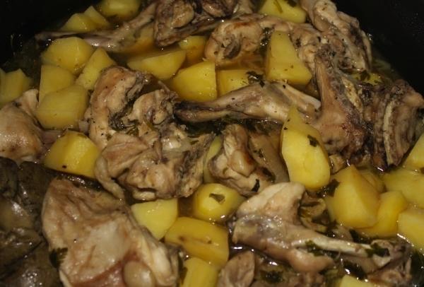 Liebre con patatas