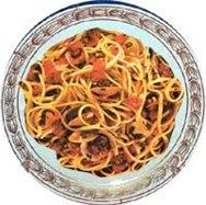 Lingüini con salsa de salchicha polaca
