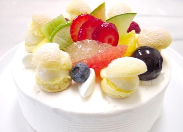 Macedonia de frutas exóticas al Blanc-Mange