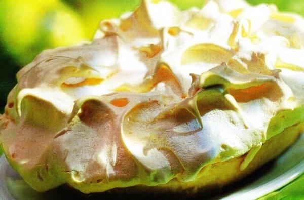 Macedonia de melón con merengue