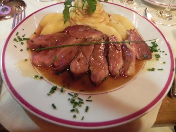 Magret de pato en salsa de vino de Madeira