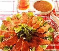Magrets de pato con salsa de arándanos