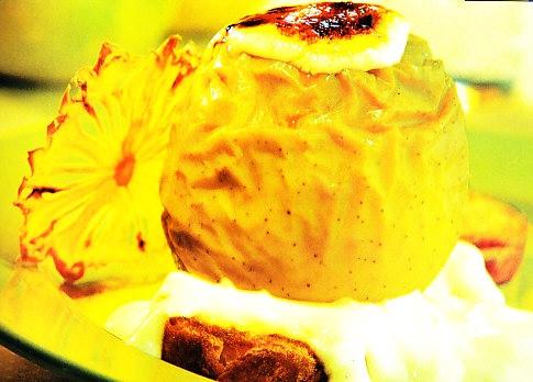Manzanas al horno con crema pastelera y piña gratinada