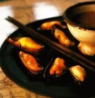 Mejillones fríos con salsa de chile