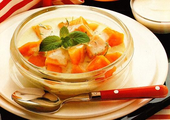 Melón con salsa de yogur a las hierbas