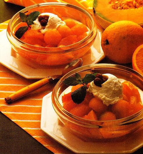 Melón y naranja a la crema helada de cassis